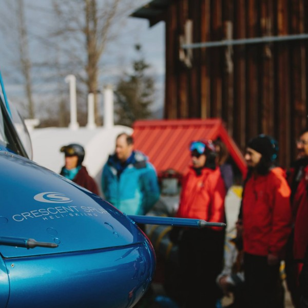 crescent spur heli-skiing lodge bc canada